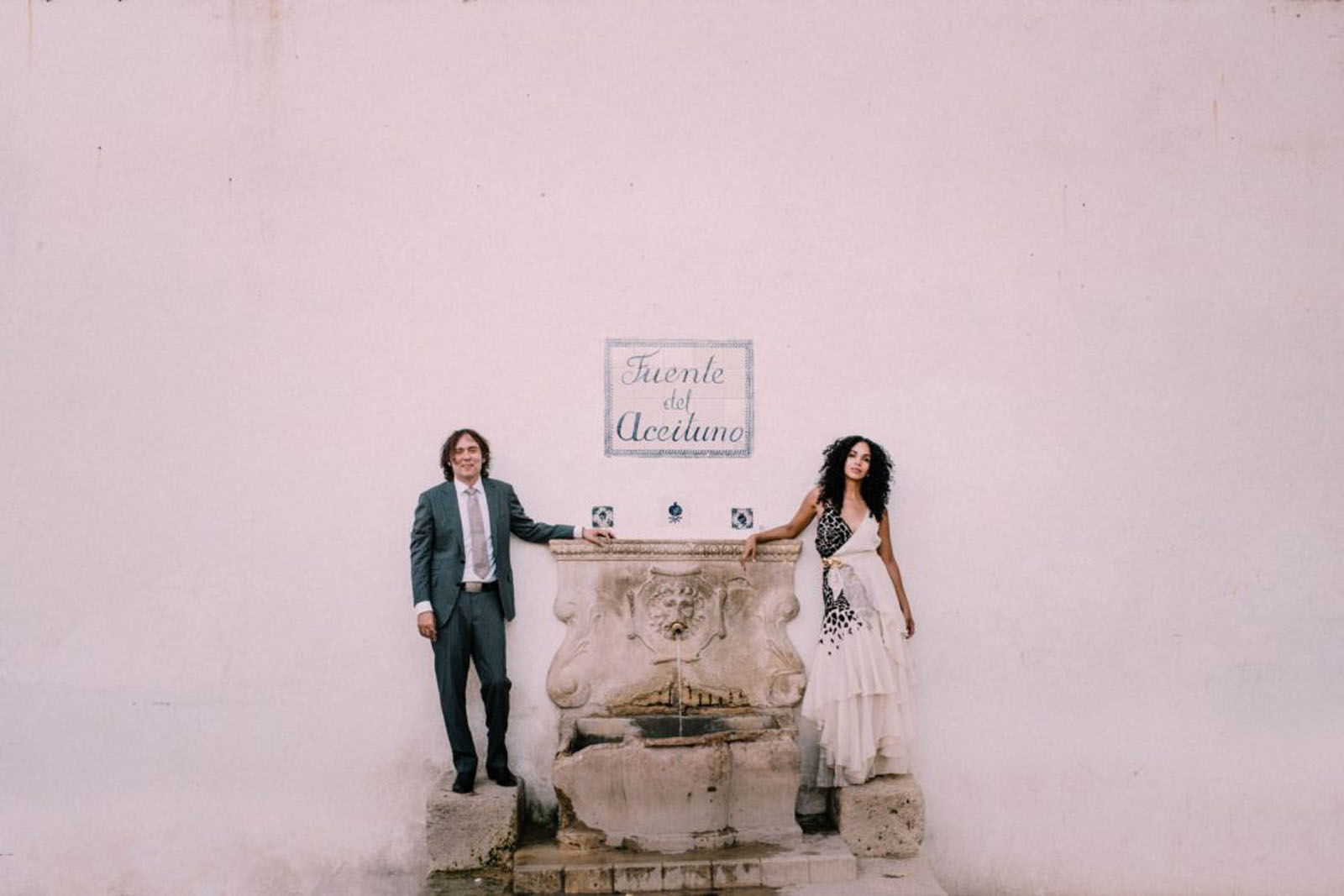 Spanish wedding elopement in Granada officiated by Celebrant Spain and photo Doncel y Alcoba