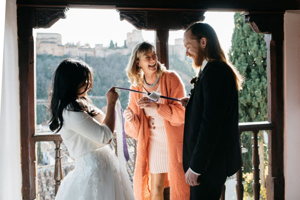 Granada handfasting elopement officiated by Celebrant Spain and photo Doncel y Alcoba