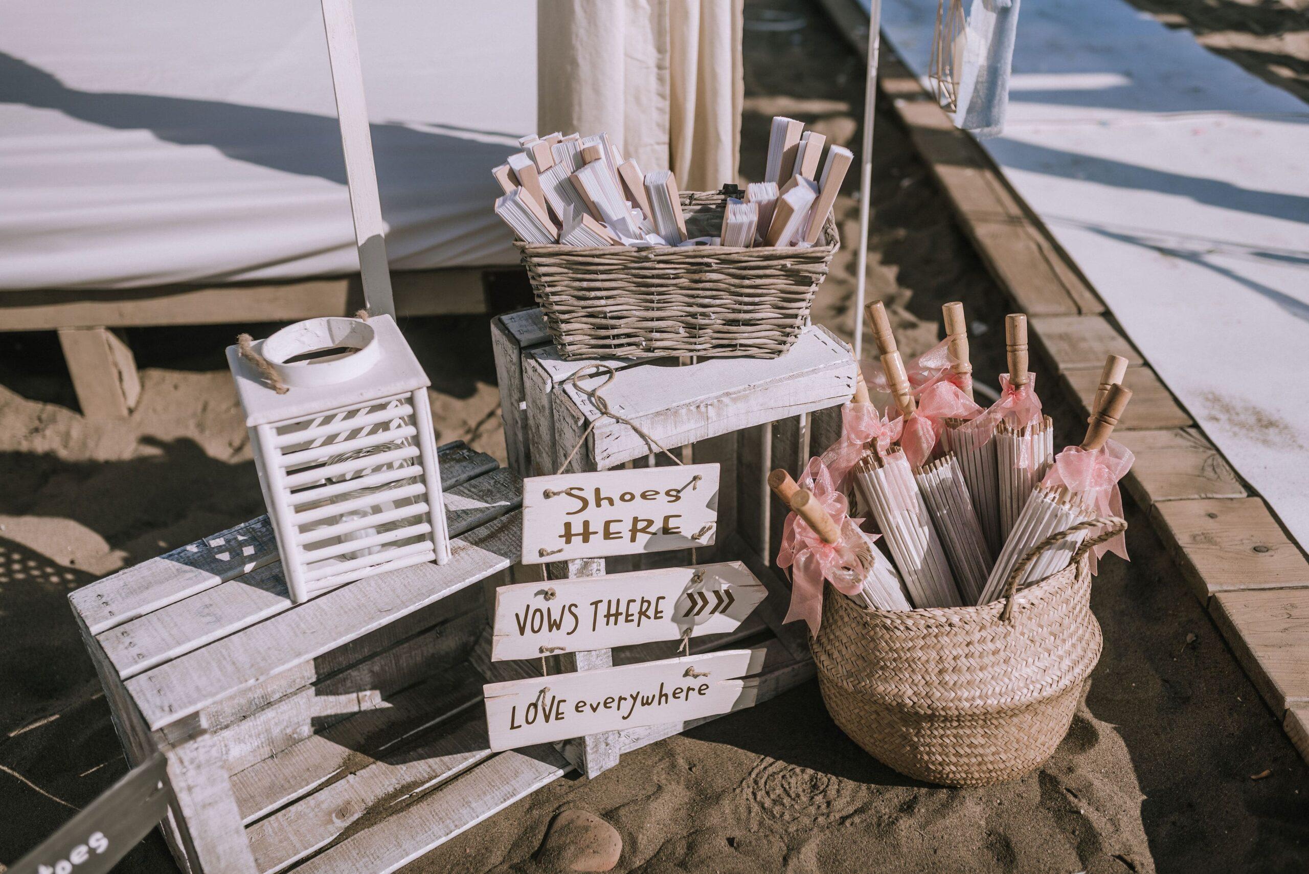 Photo Natasha Ince real beach wedding crafts